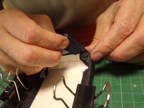 布の張り方9