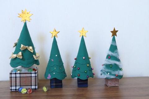 クリスマスツリー4本