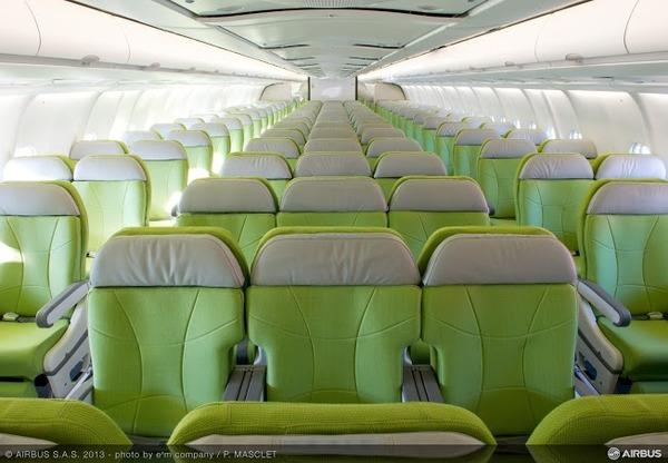 AC-331-20131209-PM-A330 SKYMARK MSN1483 INTERIOR CABIN-040