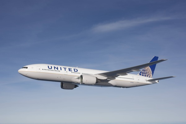United B777-200ER