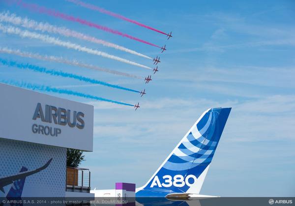 Pavillion_Red_arrows_A380