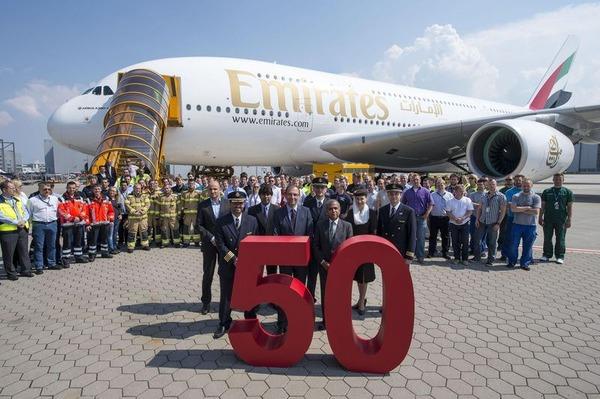 800x600_1404979245_A380_50th_Emirates_02