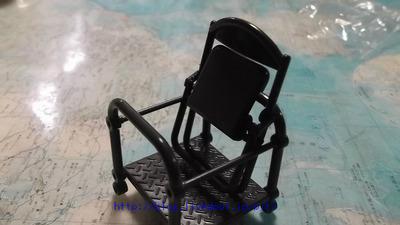 ガチャガチャパイプ椅子