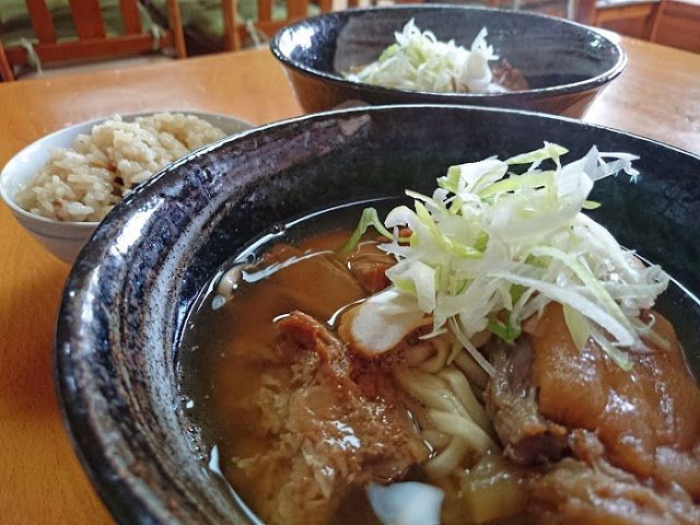 本格宮古そばが食べられる那覇市の国際通りにある沖縄そば屋さん☆