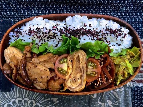 手羽トロ身と椎茸の塩麹炒め