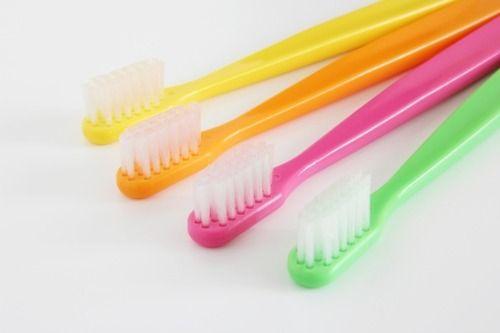 【悲報】専門家「歯ブラシは週1で換えろ。使用1ヶ月で便器を上回る菌が繁殖するぞ」