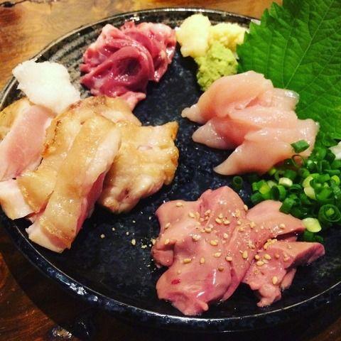 鳥刺しという日本で最もうまい食べ物wwwwwwwwwwww