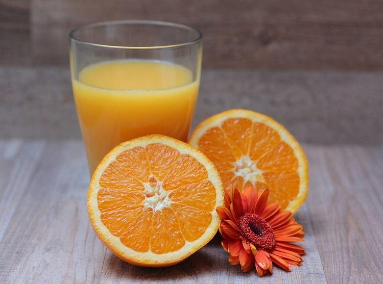 【悲報】オレンジジュース飲んでたら馬鹿にされたんやが