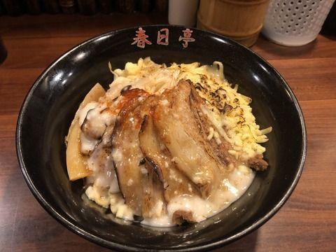 セクシー女優・桃乃木かなさん、春日亭で炙り鳥豚油そばを食べる 「ラーメンは好きじゃない」