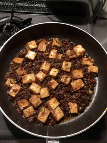 【悲報】ワイでぶ、こんな時間に麻婆豆腐を作ってしまう