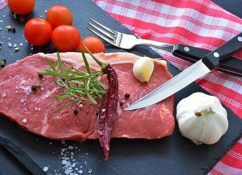 牛肉「ステーキ!焼肉!すき焼き!」鶏「焼鳥!フライドチキン」?「あ、あ!」