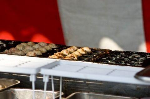 たこ焼き屋「生地に味ついてるんで、そのままでどうぞ」ワイ「ソースマヨちょうだい」