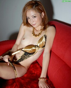 shiori-ayase-3-240x299.jpeg