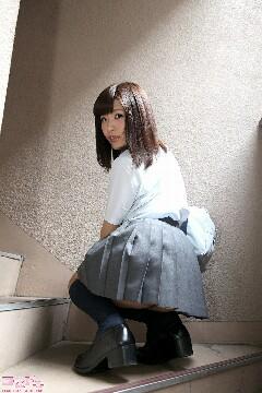 mizushirorino_pic_seifuku1_009-240x360.jpeg