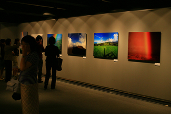 昼のイメージの展示室
