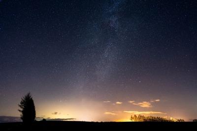 NASA「銀河には1000億くらい星があるよ」ワイ「はえ~」NASA「宇宙にはその銀河が1000億くらいあるよ」