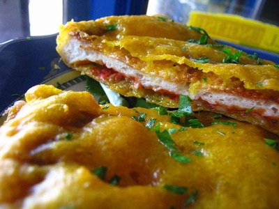 20061018-Deep_Fried_Pizza_15
