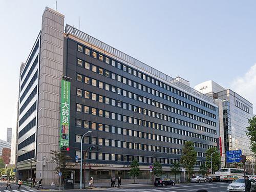 560px-Shogakukan-Building-01