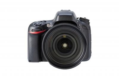 カメラ業界「性能をドンドン向上させてるのに売上が落ちてる…何故なんだ…」