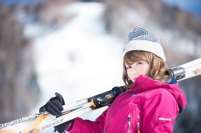 今時スノボじゃなくてスキーやる奴wwwww