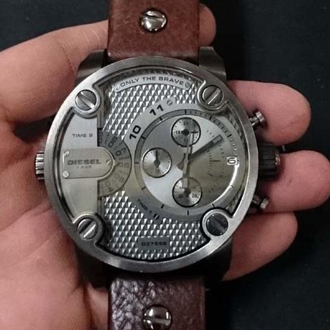 DIESEL (ディーゼル) の 腕時計の電池交換
