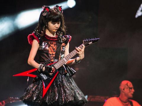 babymetal-guitar1