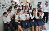 在日コリアン 米朝首脳握手に拍手「歴史的瞬間」 大阪