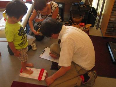 子供の足と子供靴の選び方