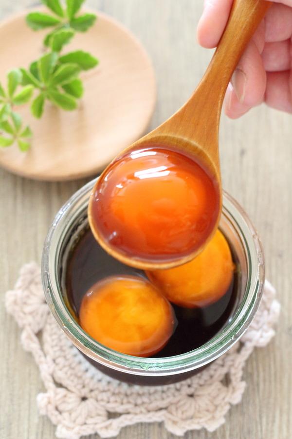 濃厚で絶品【卵黄漬け】の作り方・アレンジレシピ3つ・卵白活用おすすめレシピ の紹介