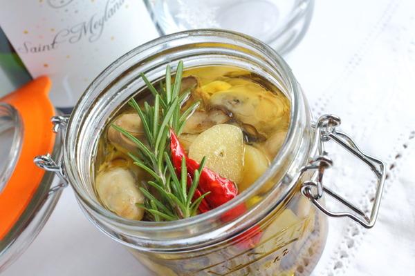 牡蠣のオイル漬け &それに合う白のスパークリングワイン
