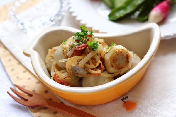 里芋のベーコン炒め &四角豆、二十日大根などのサラダ