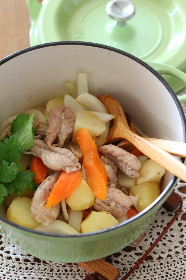 無水調理で作る絶品【塩肉じゃが】←せせり &ちくわのヒヨコ作レポ