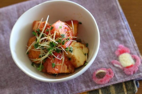 トマトと魚河岸揚げの和え物
