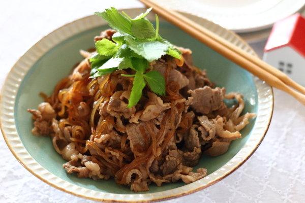 下茹で効果で上品な♪ 【牛肉と糸こんにゃくの甘辛煮】レシピ