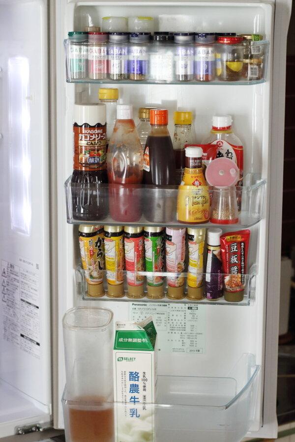 冷蔵庫ドアポケットの整理|大きいチューブ調味料の収納方法