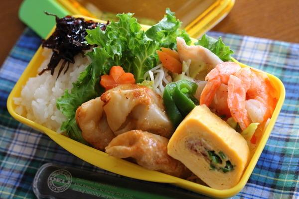 兵庫県民の愛する『焼きビーフン』の弁当(形が自由に変わるおかずは詰めやすい!)