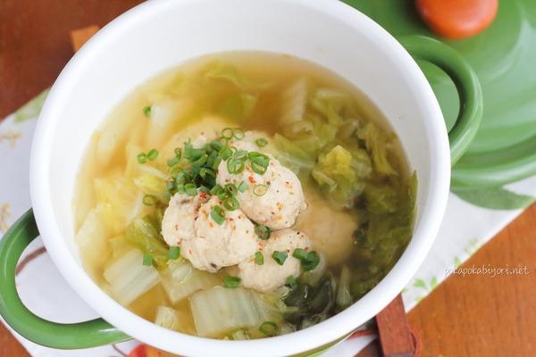材料も調味料もかなりシンプル!鶏団子入り白菜スープレシピ