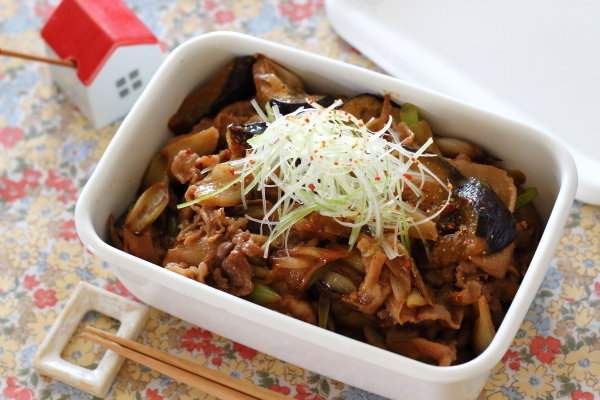 ご飯がススムおかず 【豚こまと茄子の味噌煮】レシピ
