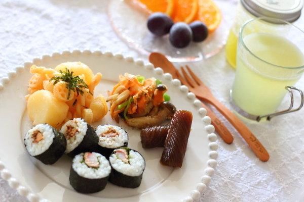作ってすぐ飲めるフルーツ酢:メロン の週末朝ごはんMENU