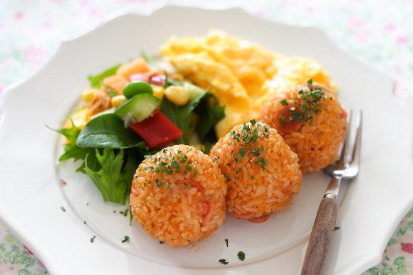 簡単で食べやすい!ケチャップ味のライスボール