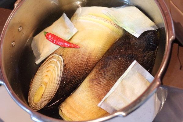 たけのこの簡単下茹で【5分加圧】しかも米ぬか使用でおいしく下茹で!