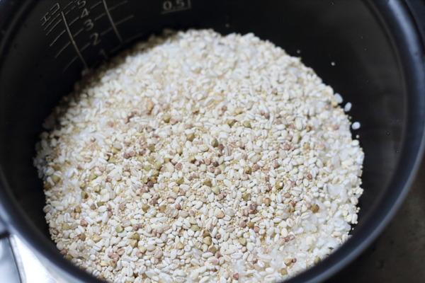雑穀米入りの白米