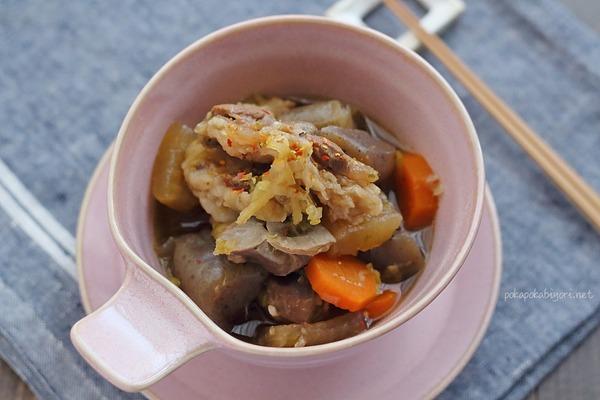 野菜もたくさん一緒に煮込むから美味しい【スジコン】レシピ