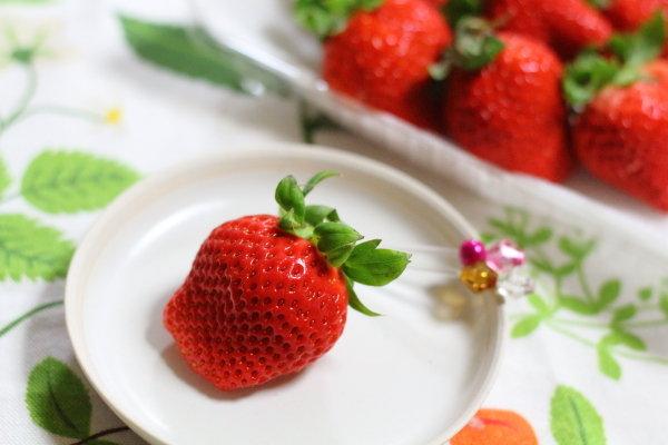 美味しい【いちご】の選び方 &見た目ゴージャスなのに簡単な【ストロベリーパイ】レシピ