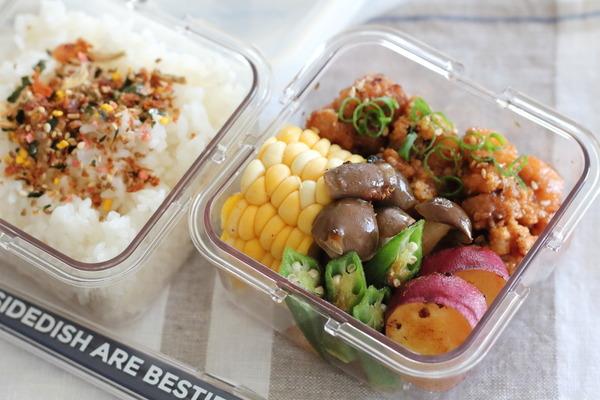 唐揚げや野菜のバター焼き弁当|小魚ふりかけでカルシウムUP♪