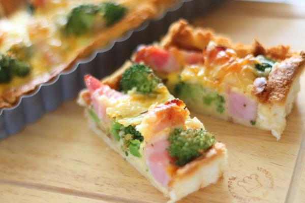 食パンで作るお洒落キッシュ ~クロワッサン風の食パン活用!