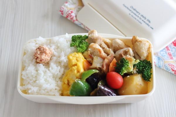 マヨ胡麻チキンの高校生弁当|前夜の作り置きと朝の様子・レシピ付き