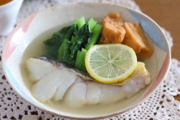 5分くらいで完成!小松菜&厚揚げ入りの煮魚(フライパン使用)