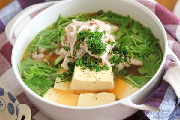 鍋の素不要♪とんこつしょうゆ鍋 ~家にある調味料で簡単に増量!