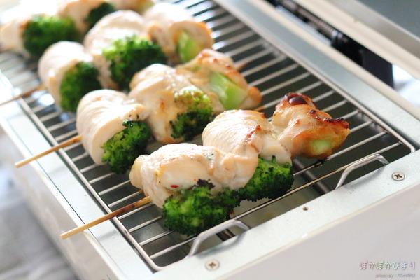 むね肉のブロッコリー巻き(串焼き)/トースターの焦げ付きを完璧に落としたクリーナー